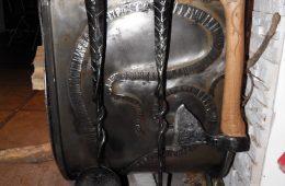 Kalviškas židinio aksesuaras