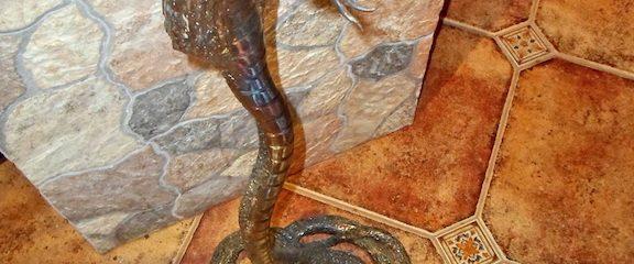 Kalviška skulptūra – gyvatė